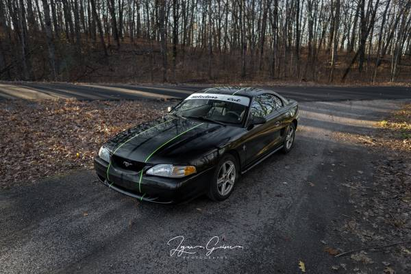 Photo 1998 Ford Mustang - $4,000 (Plymouth)