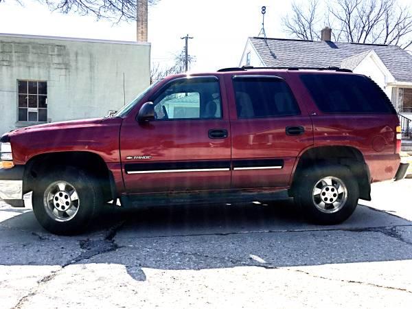Photo 2001 Chevy Tahoe LS 4x4 SUV - $3300 (Sheboygan)