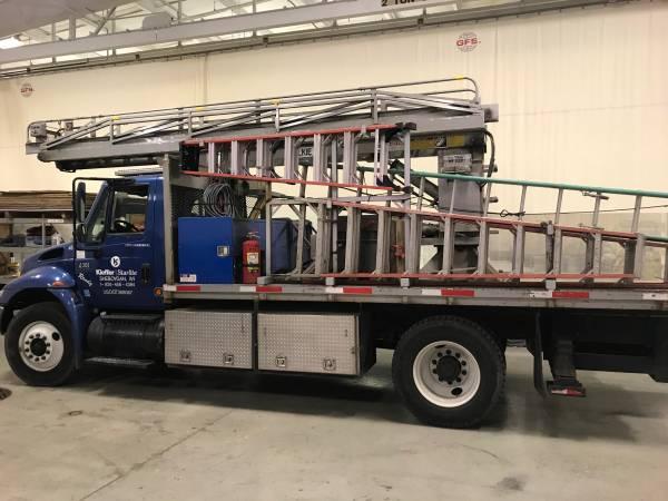 Photo 2007 International 4300 Flatbed Truck with Ladder - $17,500 (Sheboygan)