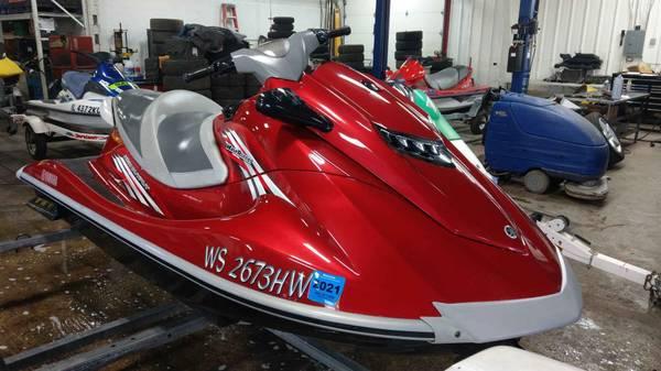 Photo 2012 Yamaha VXR, JET SKI, LIKE NEW - $8,900 (Waukesha)