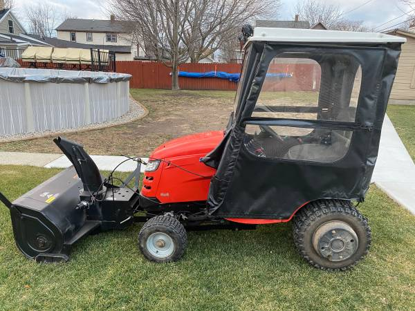 Photo 2013 Simplicity Prestige garden tractor - $5,000 (Sheboygan South)