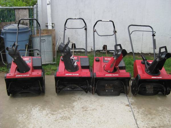 Photo 4 TORO SINGLE STAGE SNOW BLOWERS (SHEBOYGAN WI.)