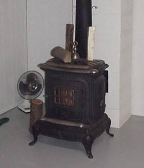 Photo Antique parlor stove - $225