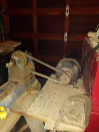 Photo Craftsman 9 in lathe - $70 (Sheboygan)
