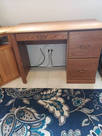 Photo DESK WITH 2 FILE DRAWERS - $50 (Sheboygan (south))