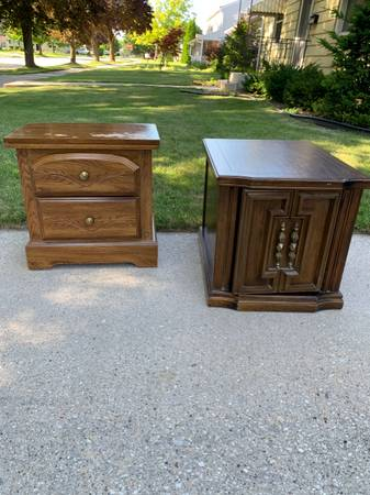 Photo Free to Good Home Two End Tables for Sale (MANITOWOC)