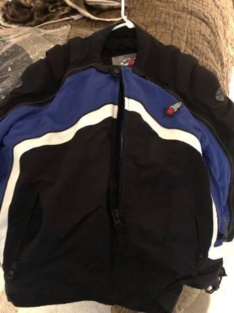 Photo Joe Rocket motorcycle jacket size L in great shape. Heavy padded - $40 (SHEBOYGAN)