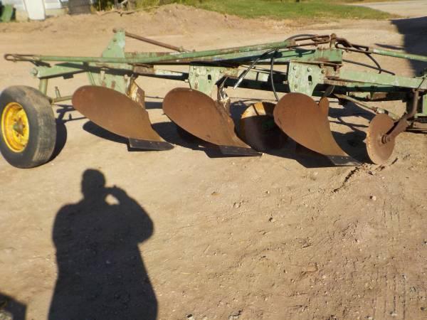 Photo John Deere 145 3 bottom plow - $700 (Denmark)