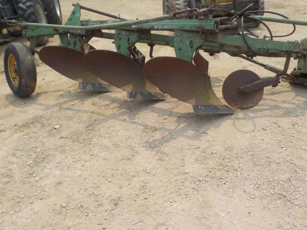 Photo John Deere 145 3 bottom plow - $750 (Denmark)