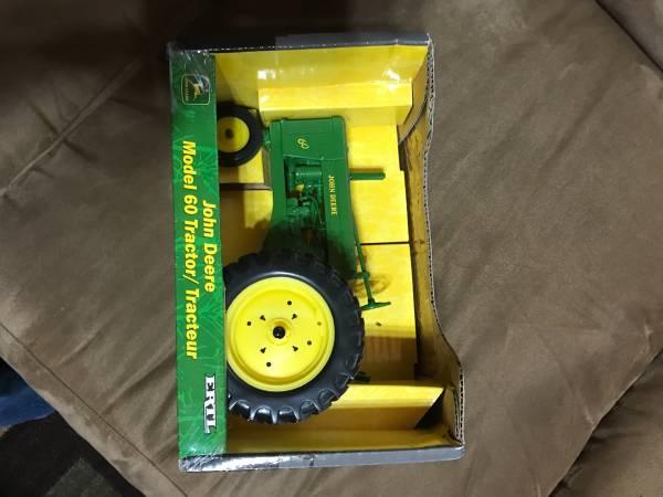 Photo John Deere 60 model tractor - $50 (Sheboygan)