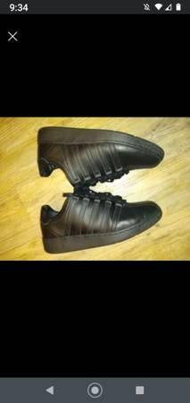 Photo New K Swiss 10 12 men39s classic VN sneaker. - $40 (Manitowoc)