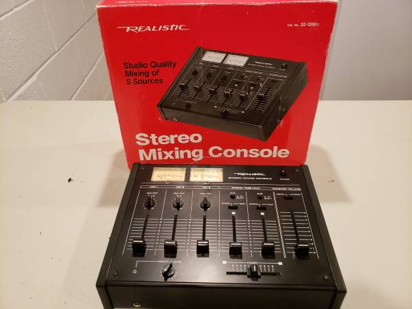 Photo Realistic Stereo Mixer - $50 (Oostburg)