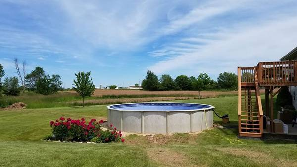 Photo SWIMMING POOL-WINTER SPECIAL - $4,479 (Lakeshore Area)