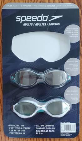 Photo Speedo Adult Swim Goggles set of 2 Mirrored Lens and All Day Comfort - $12 (Sheboygan)