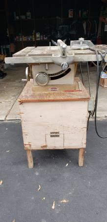 Photo Vintage Craftsman 10quot Tilt Arbor Bench Saw - $200 (Sheboygan)