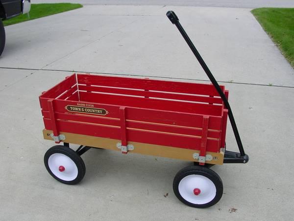 Photo Vintage Radio Flyer Town  Country Wagon - $45 (sheboygan)