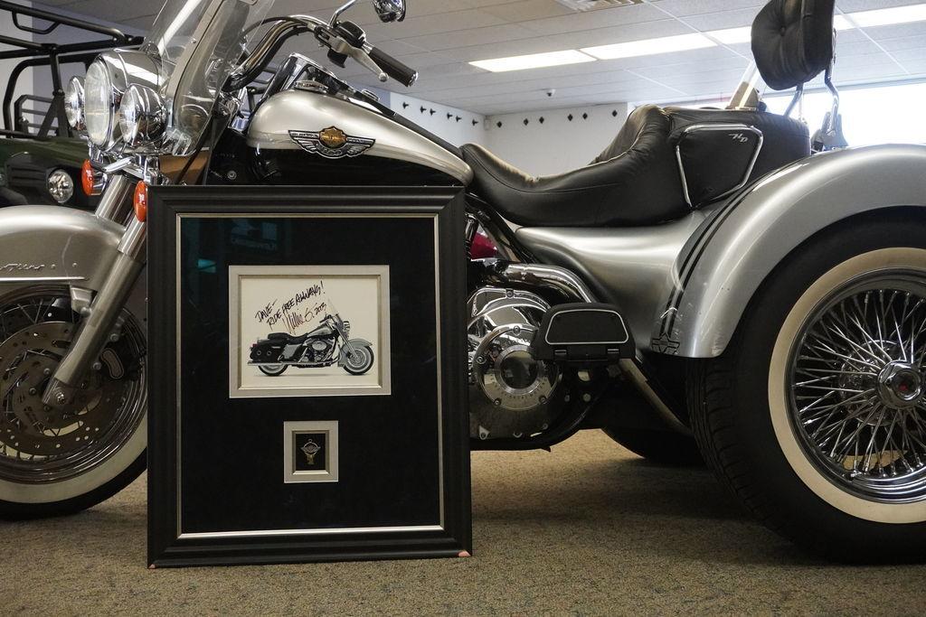 Photo 2003 Harley-Davidson Road King Classic 100th Anniversary Lehman Trike $18999