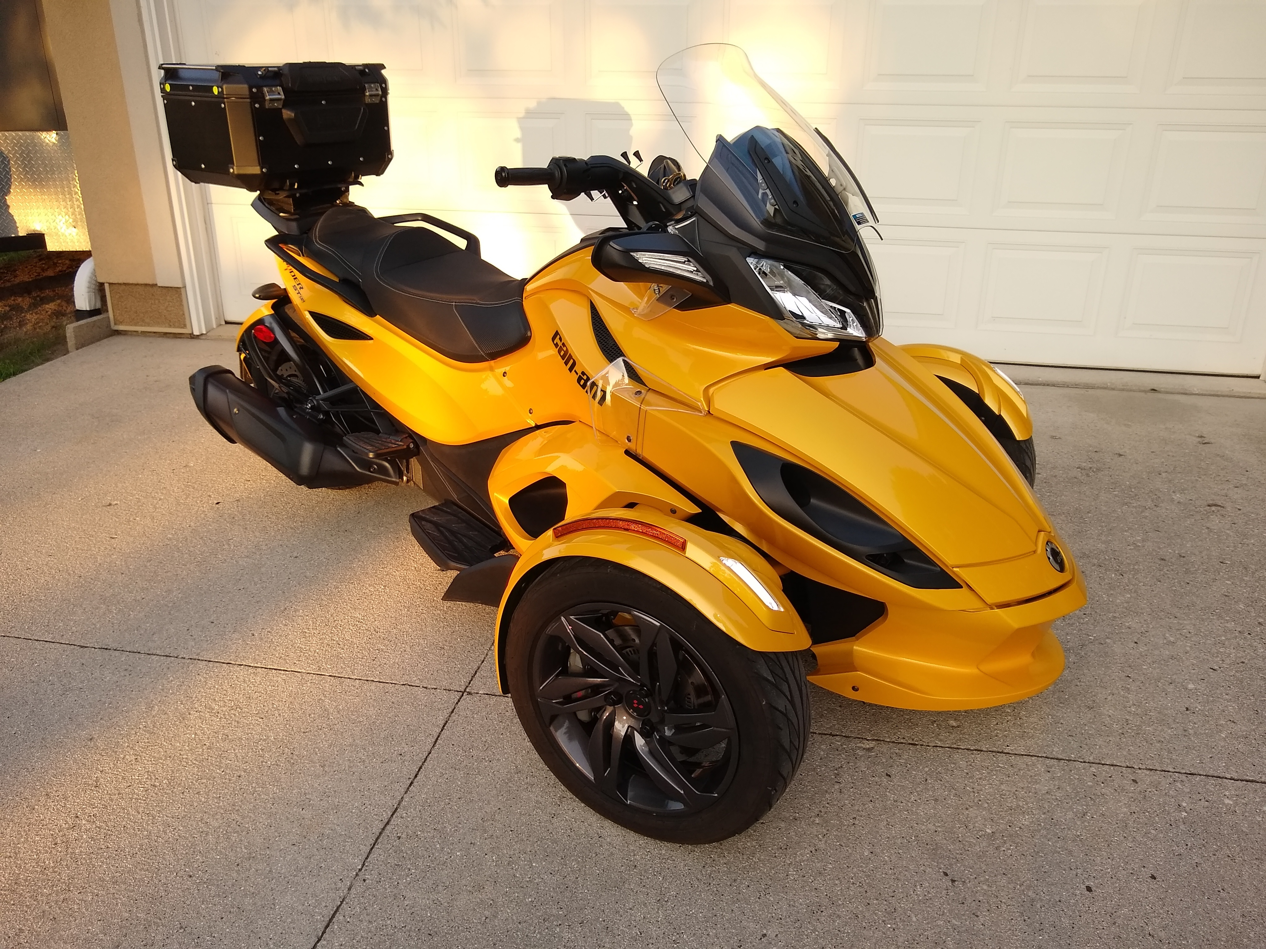 Photo Used 2013 Can-Am Trike Motorcycle  $11499