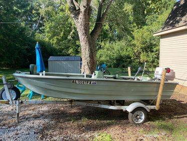 Photo 14 ft trihull boat. For sale or will trade for pull behind cer (Florence)