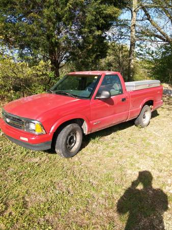 Photo 1995 Chevy S10 - $2,500 (Collinwood)
