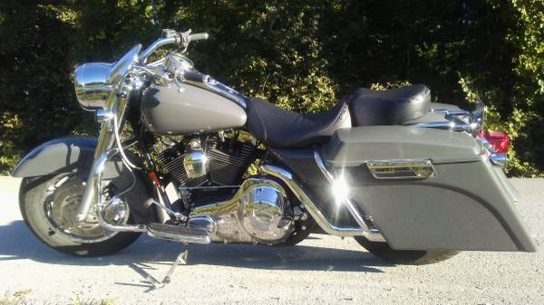 Photo 2004 Harley Davidson Road King Custom - $12,500