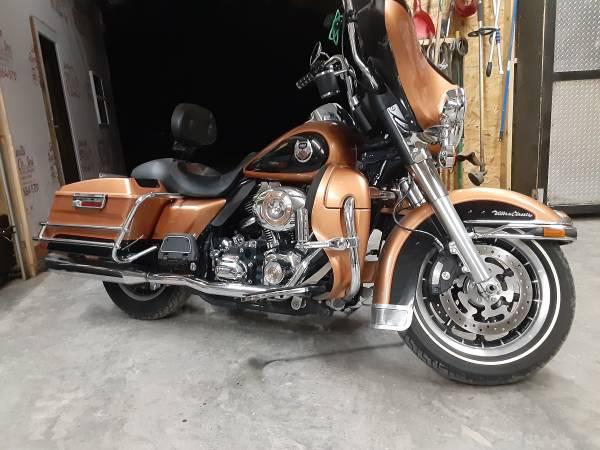 Photo 2008 Harley Davidson 105th anniversary Ultra Classic - $11,000 (Bell Buckle tn)