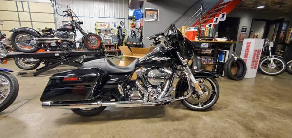 Photo 2016 HARLEY-DAVIDSON Street Glide Special FLHXS ONLY 7K miles  - $16,995 (MURFREESBORO)