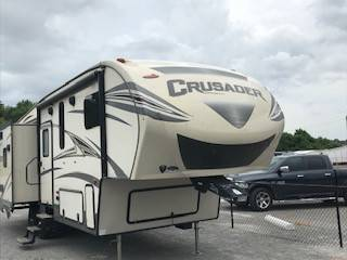 Photo 2017 Crusader 295RST Fifth Wheel - $38,995 (Sweetwater)