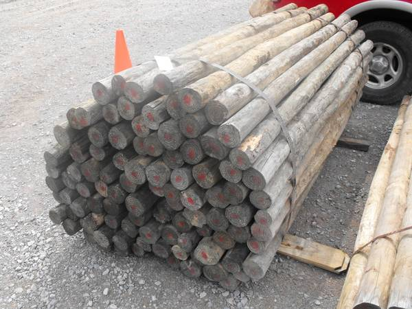 Photo 3quotx739 Posts.739 cultipacker. Rock Bucket.439 Cutter. (Florence, AL)