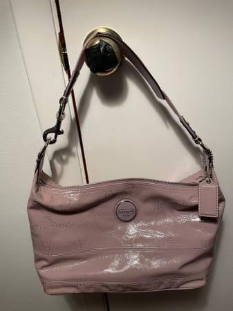 Photo COACH F17421 Lavender Signature Patent Leather Hobo Purse - $75 (Franklin)
