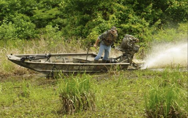 Photo Duck boat with 35hp mud motor - $13,900 (Florence)