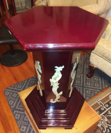 Photo Hexagon Pedestal Table Asian Accents Nice - $45 (Lawrenceburg)