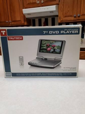 Photo Portable DVDCD PlayerTruTech Go Anywhere 7 - $35 (Nashville)