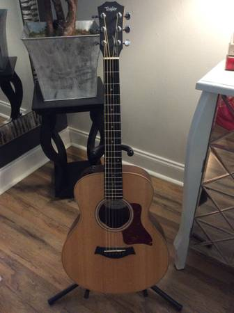 Photo Taylor GS Mini with Hard Bag - $450 (The Shoals)