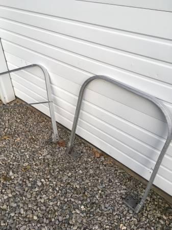 Photo aluminum hand rails - $30 (whitehouse)