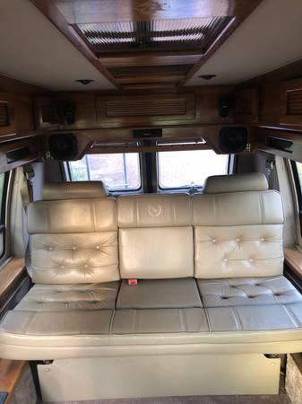 Photo 1995 GMC Van Bench Seat - $800 (Vernon)