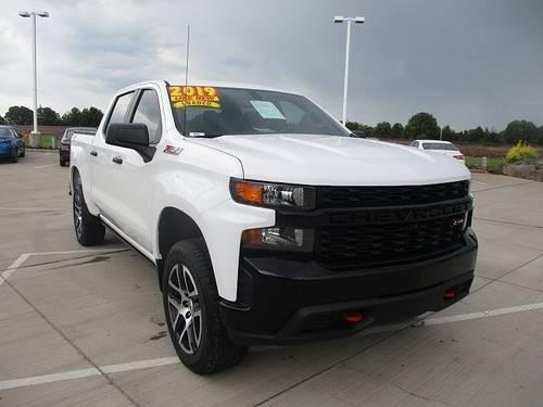 Photo 2019 Chevrolet Silverado 1500 Custom Trail Boss Crew Cab - $44,369 (Show Low)