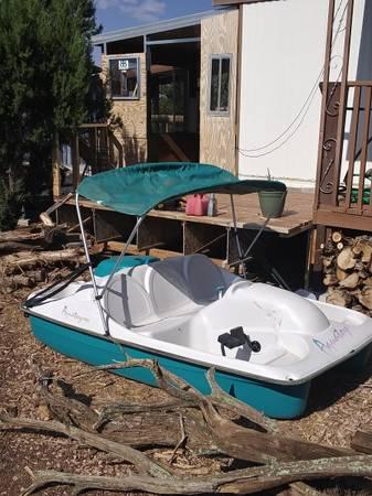 Photo 5 person pedal boat wNamibia top - $275 (White mountain lake)