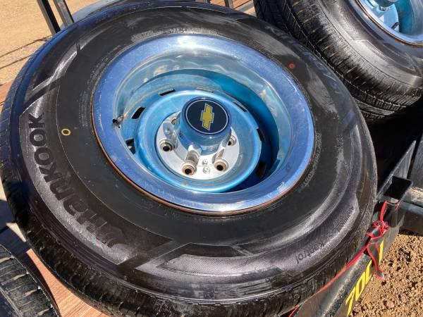 Photo 65-72-87 Chevy GMC TRUCK 4X4 6 LUG 15X8 GM TRUCK RALLY Wheels WTires - $600 (SHOW LOW, AZ)