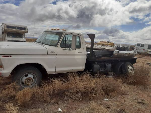 Photo 79 ford f350 dually flat bed PROJECT - $750 (sun valley)