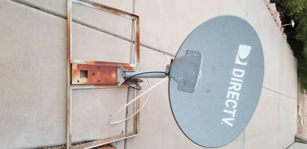 Photo DirecTV antenna - $100 (Fountain Hills)