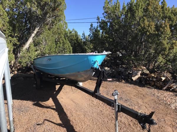Photo Fishing boat - $1,600 (White mountain lakes)