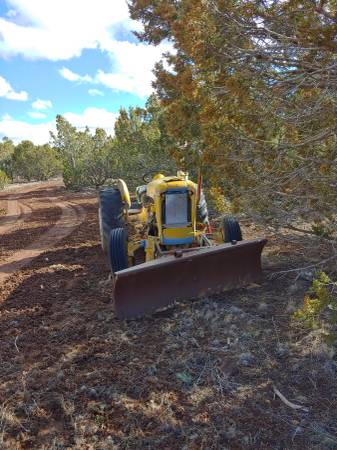 Photo Ford tractor - $1000 (Show low)