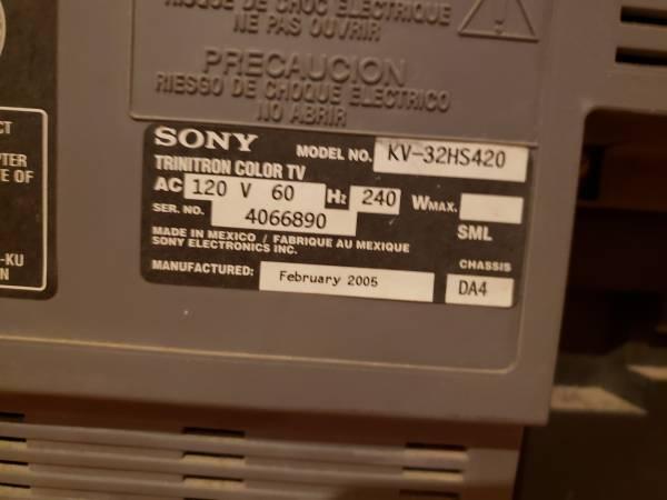 Photo Free 32 inch Sony Trinitron television