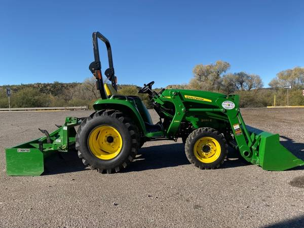 Photo JOHN DEERE 3032E TRACTOR - FINANCING AVAILABLE OAC - $18500 (JOHN DEERE 3032E TRACTOR - FINANCING AVAILABLE)