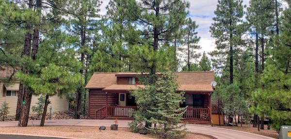 Photo Looking for that affordable cabin get-away (White Mountain Vacation Village)