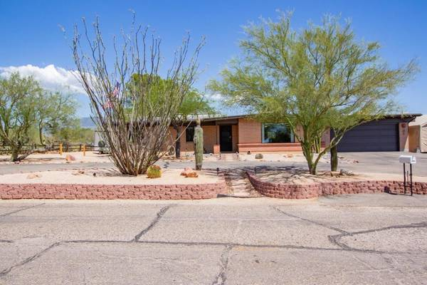 Photo Outstanding Remodeled Energy Efficient Solar Home wa Guest House (Tucson)