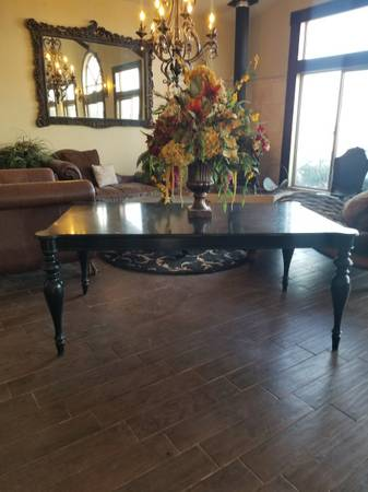 Photo Pier 1 one imports dining room table high end - $125 (Snowflake)