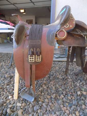 Photo Saddles and tack - $250 (White Mountain Lakes, AZ)