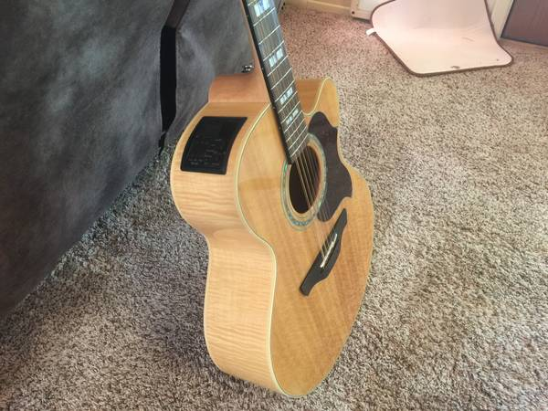 Photo Takamine EG523SC-12 string guitar and case - $825 (Pinetop Arizona)